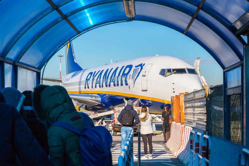 Ryanair truer med fyringer - luftfart.nu